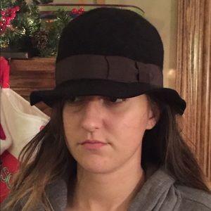 Ladies Wool Hat (Black with Grey Bow) So Cute!